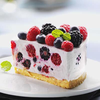 Beeren-Frischkaese-Torte