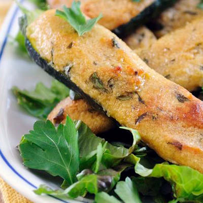 Ofengebackene-Zuccini-mit-Parmesanfuellung