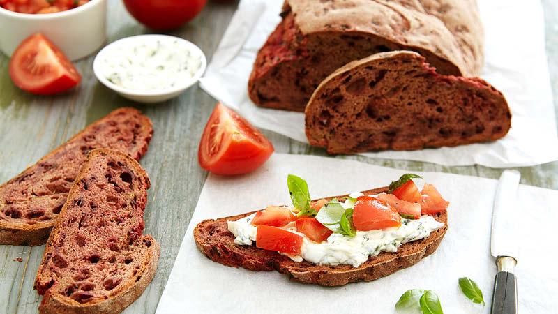 Rote-Bete-Sauerteig-Brot